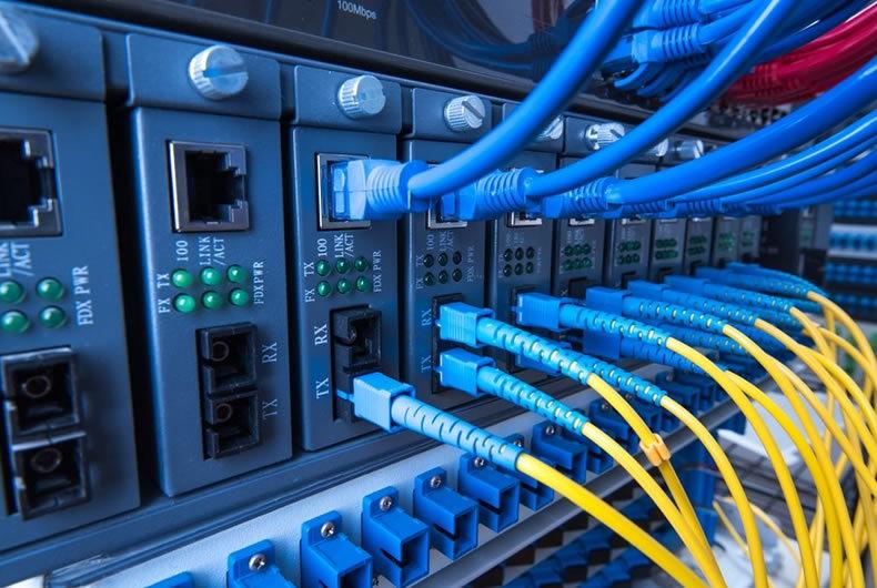 cavi di rete, immagine per assistenza sistemistica piacenza
